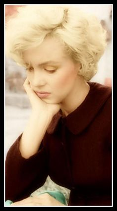 MM - marilyn-monroe , she looks so sad.  poor girl.