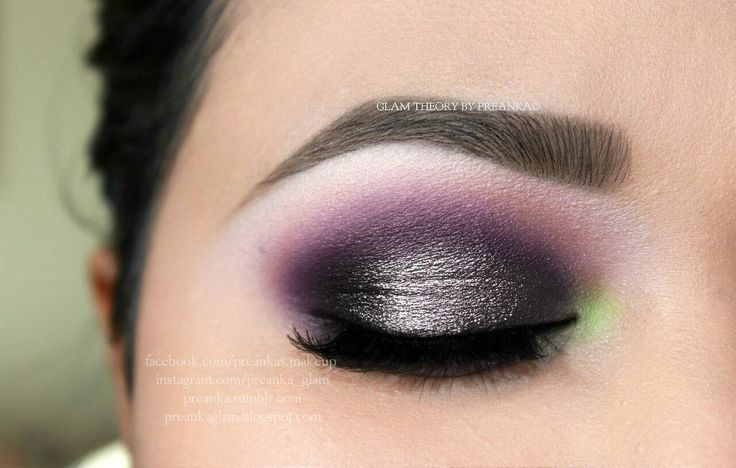 urbandecaycosmetics 24/7 eye pencil in PERVERSION all over lid as a base. Motives cosmetics eyeshadow in Blizzard under browbone, Fantasy in my crease and Onyx and Sequins on my lid. But Sequins wasn't sparkly enough so added is Urban Decay Moondust eyeshadow in MOONSPOON.  bright green eyeshadow form CoastalScent120 eyeshadow palette in corner of eye along with a hint of bronzy matte shadow in my crease. Brows  is Anastasia Beverly Hills brow wiz in Brunette.