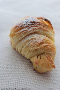 Dolcemente Inventando ovvero i pasticci di Ale: I cornetti sfogliati all'italiana di Maddalena