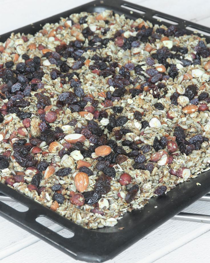 Nyttig müsli med russin, mandlar & nötter – Lindas Bakskola