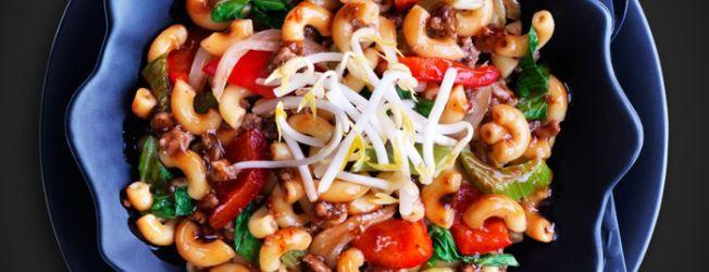 """Macaroni Chinois....Je vais remplacer le boeuf haché par du """"sans viande Yves"""" :)"""