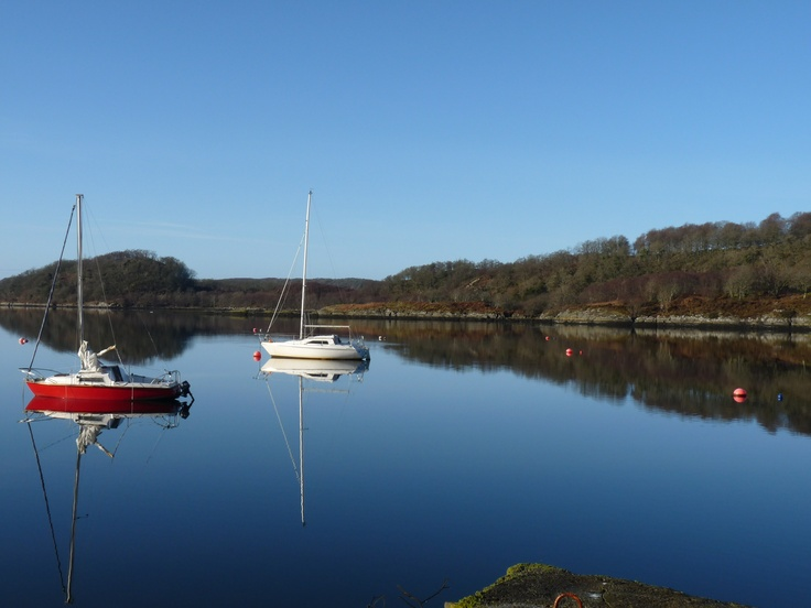 Byre Cottage is on Loch Sween, a beautiful sea loch, perfect for kayaks and sailing boats