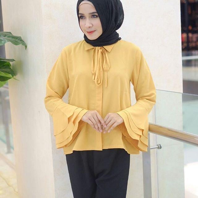 ㅤㅤ Supplier Hijab Murah ㅤ Ready A106@58rb (KHUSUS GROSIR) Bahan Peach Sofie Seri 4 Warna LD 100 cm P 60 cm ㅤ New Upload nih untuk reseller kesayanganku konveksi busana muslim, wholesale ya sis. ㅤ Contact Us for more detail Line: @ konveksi.hijab (pakai tanda @ yah) WA: 0858 8533 3907 ㅤ Store Location : PGMTA Lt LG Blok B No. 176 ㅤ Menerima pembuatan model minimal 5 lusin yah sis untuk 1 model. ㅤ Group Store Instagram : Hijaber : @ louve.pgmta Gamis : @ alyla.alyla Cek Re...