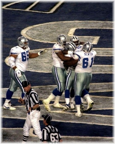 Super Bowl XXVII, when The Dallas Cowboys destroyed the Buffalo Bills, 52-17. Possibly one of the happiest days of my life - that and when I met a 49er and a Cowboy at the same time (:-o I'm quiet but I comPLETELY lost it! Do not, do not introduce me to a Cowboy +1 and expect me to keep it together.) The Cowboys defeated the Bills again in Super Bowl XXVIII, 30-17.