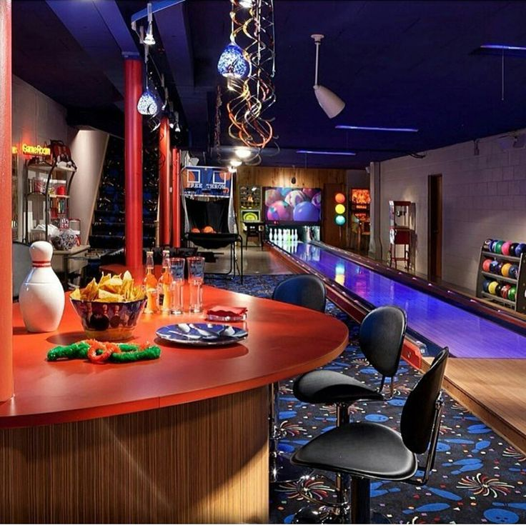 ULTIMATE MAN CAVE, GAME ROOM