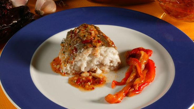 Receta de Pescadilla al horno con salsa de choriceros