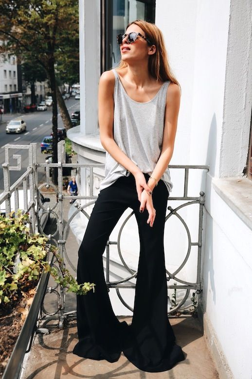 A Laid-Back Take On Black Super-Flared Jeans