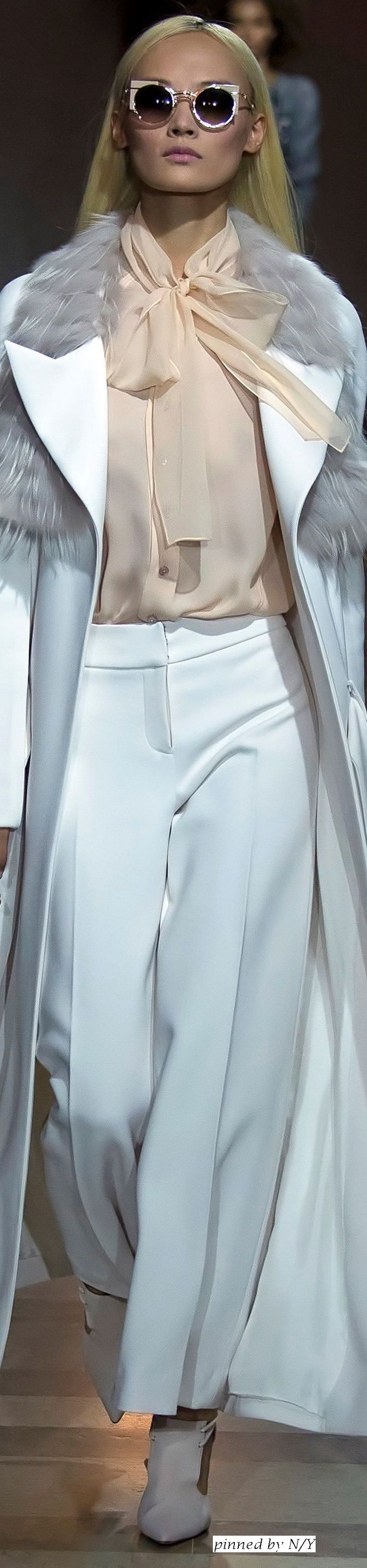 Carolina Herrera - Fall Winter 2016/2017