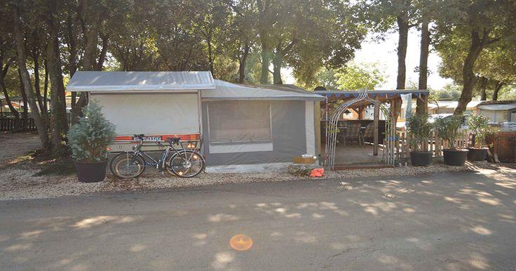 Wohnwagen Valalta von privat mieten. Bei Ilse & Xaver hat man die Möglichkeit einen gemütlichen Wohnwagen auf dem 5 Sterne Campingplatz Valalta Naturist zu mieten.