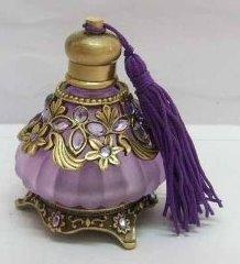 Purple Stones Tassel perfume bottle.: Glasses Purple, Purple Tassels, Purple Glass, Purple Passion, Perfume Bottles, Blown Glasses, Things Purple, Purple Stones, Hands Blown