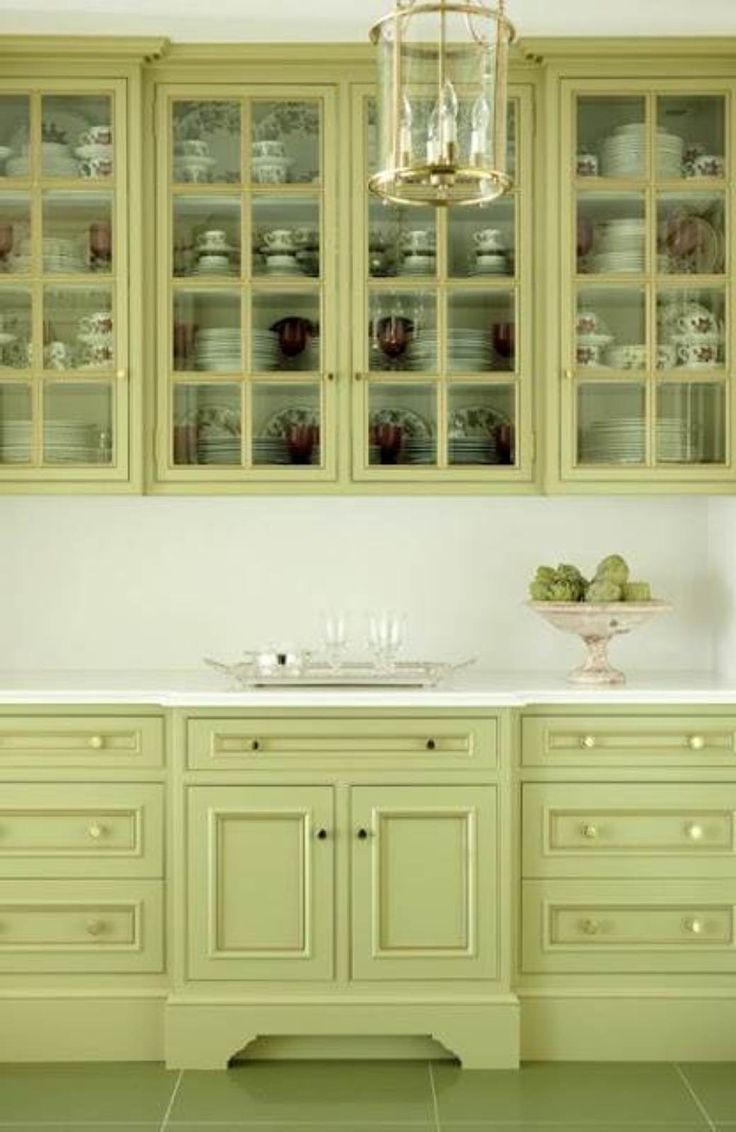 Green kitchen cabinet paint colors perfect kitchen for Light colored kitchen cabinets