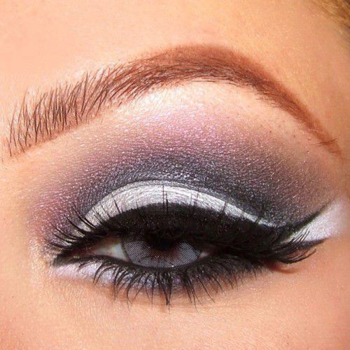 Grey smokey eyeshadow