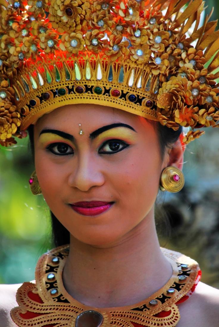 Balinese Dancer at Bebek Tepi Sawah Ubud - Bali - Indonesia