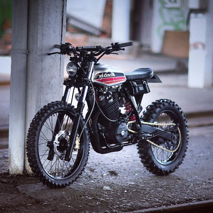 "caferacersofinstagram: ""This Honda XR600 was built by @dinamaxxxx to rip around on the streets of France. Great execution! #croig #caferacersofinstagram """