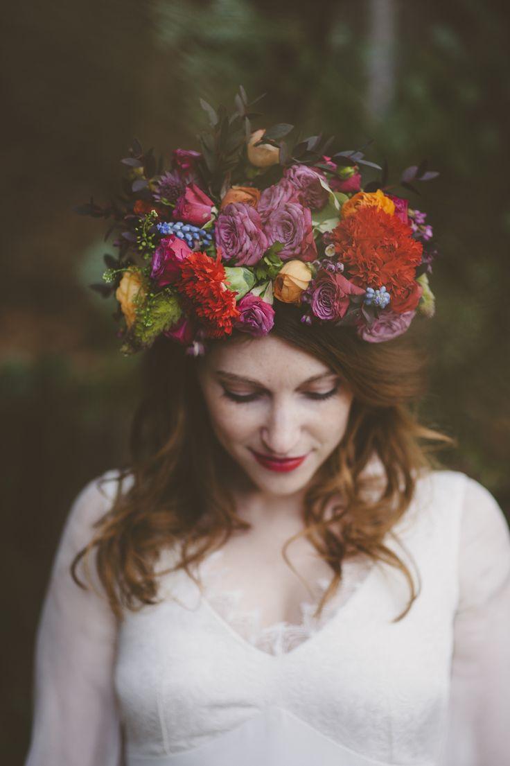 Lovely Pics - Couronne de fleurs par La mariée aux pieds nus - Modele Amelie, Queen for a day