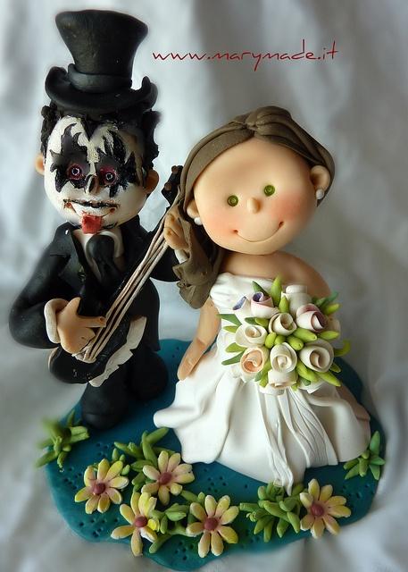 valentinamacchiarulKISS | cake-toppers-marymade | Pinterest | Cake, Cake toppers and Beautiful cakes