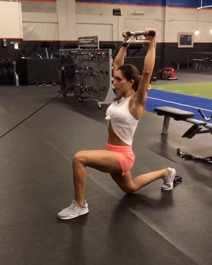 """Alexia Clark on Instagram: """"Cable Work Sunday 1. 12 each side 2. 12 each side 3. 15 each side 4. 15 reps 3-5 rounds #alexiaclark #queenofworkouts #fitgirl…"""""""