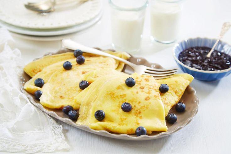 Pannekaker er populært hos både liten og stor. Denne pannekakerøren gir et perfekt resultat og nok til ca. 12 pannekaker. Med syltetøy, sukker, bacon eller brunost – alle har sin pannekakefavoritt!