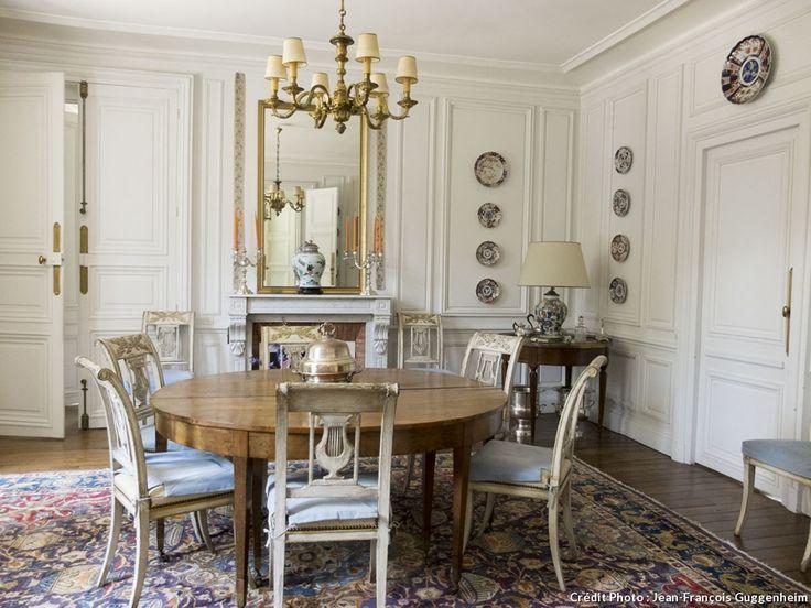 Salle à manger du XVIIIème siècle (région Fontainebleau)