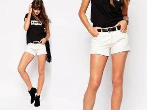 Vintage-high-Waist-WHITE-LEVIS-501-cut-off-shorts-raw-edge-Fantastic-summer-look