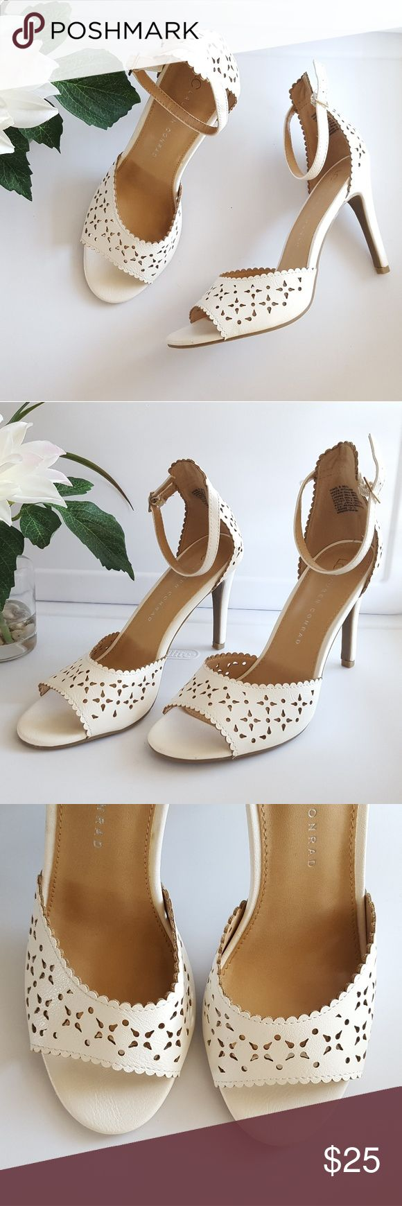 LC Lauren Conrad Steamer Floral Cut-Out Heels EUC! Fun and flirty! LC Lauren Conrad Shoes Heels