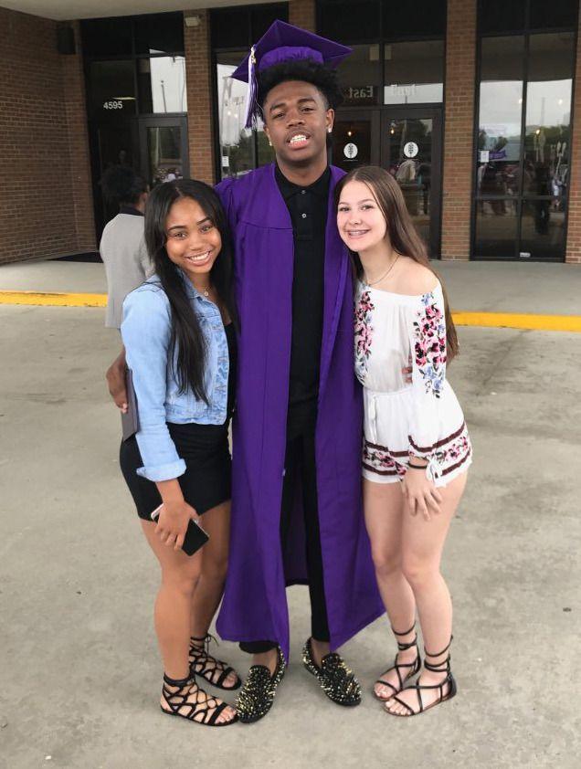 Teens Love It Black Black Man White Girl Black Guy White Girl Black And White Love