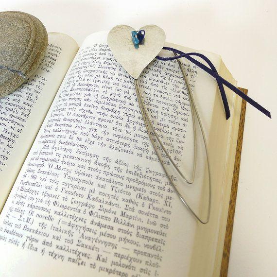 Valentine's day gift idea,hand-crafted heart bookmark,desk accessory,unique ornament,Valentine' s day charm ,Valentines day gift for her