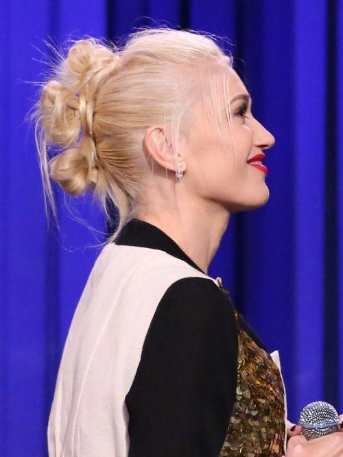 Gwen Stefani doet ook de knotten hanenkam | ELLE