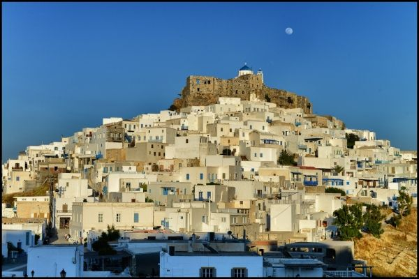 Chora with full moon
