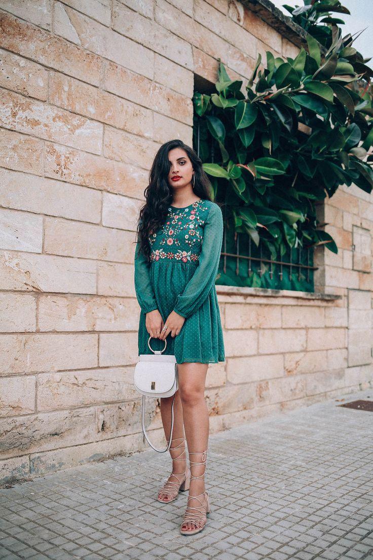 besticktes-Kleid-merna-mariella-fashion-blogger-embroidered-dress-germany-germanblogger