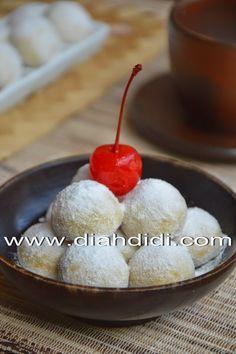Diah Didi's Kitchen: Kue Putri Salju Isi Kismis