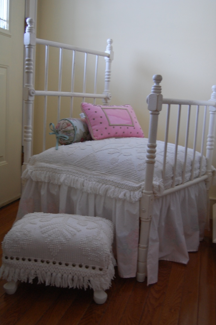 41 best images about antique baby things on pinterest crib sets custom mattress and iron crib. Black Bedroom Furniture Sets. Home Design Ideas