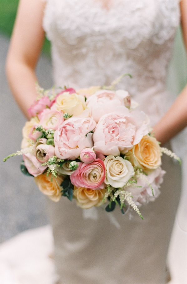 pink and peach wedding bouquet #pinkbouquet http://www.weddingchicks.com/2013/12/03/classic-dublin-wedding/
