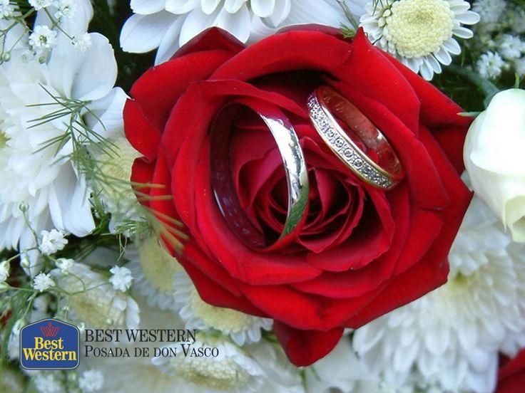 Su enlace matrimonial en Pátzcuaro. EL MEJOR HOTEL DE PÁTZCUARO. El pueblo mágico de Pátzcuaro, tiene un encanto tan especial, que se ha convertido en el escenario preferido de muchas parejas para realizar su boda. En Best Western Posada de Don Vasco, ponemos a su disposición nuestras instalaciones, para organizar sus eventos sociales más importantes. Para mayores informes, le invitamos a comunicarse al (434)3420227. http://www.bestwesternpatzcuaro.com.mx