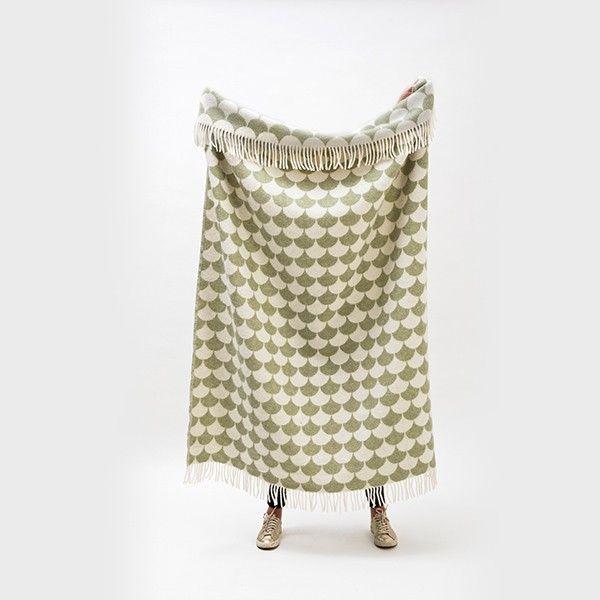 Tykt og varmt pledd i 100% New Zealand ull. Størrelse: 130x180 cm Kommer i flere flotte grafiske mønstre og farger. Kan vask