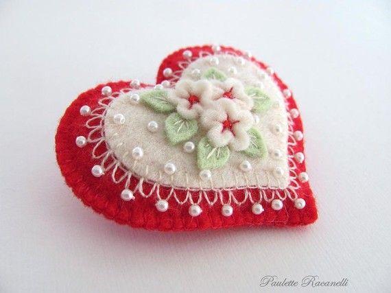Felt Heart Pin от Beedeebabee