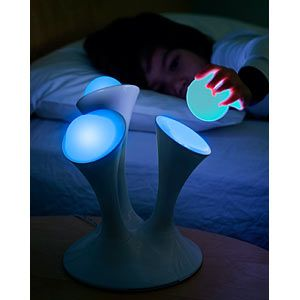 Awesome night light...it would be great for kids!Glow Nightlight, For Kids, Glow Ball, Glo Nightlight, Removal Glow, Cool Ideas, Kids Night Lights, Awesome Night, Night Lights Kids