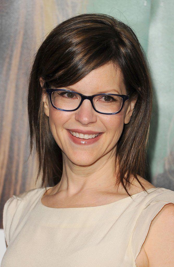 Kirsten makes glasses look glam.