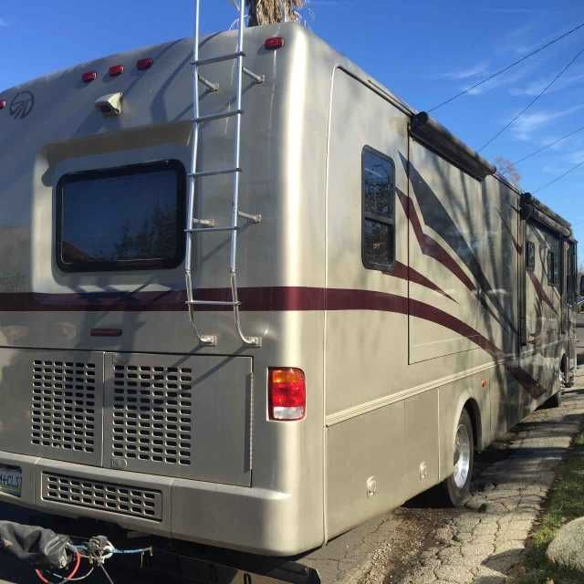 2005 Used Monaco Knight 40PLQ Class A in California CA.Recreational Vehicle, rv, 2005 Monaco Knight 40PLQ, For sale is a 2005 Monaco Knight with 47,100 miles on it. Brand new tires and batteries loaded with tons of options. This Class A beauty is 40' in length complete with 4 huge slides, shower and restroom area, full kitchen, bedroom with queen size bed, work station at rear of coach, two full couches, dining area, leather captains seats at front, rear and side cameras, DVD player, 2…
