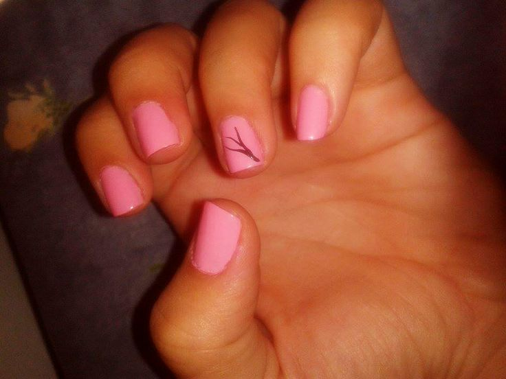 Pink nails with black tree