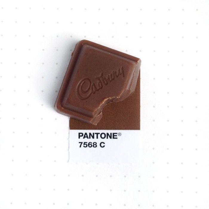 Designer Inka Mathew Matches Tiny Objects With Pantone Colors   iGNANT.de