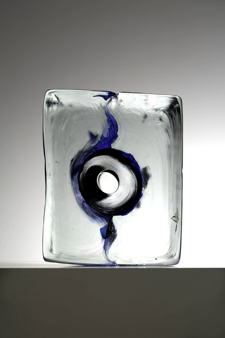 Liminal Exhibition at Galerie Forsblom, Helsinki. The exhibition features Ilkka Suppanens glass sculptures, which where handcrafted in the legendary glass studios of Claudio Tiozzo and Pino Signoretto in Murano, Venice.