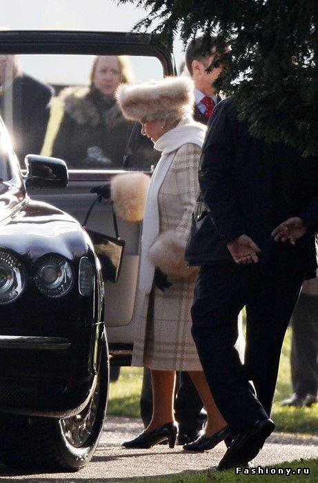 Королева Елизавета II:насыщенная жизнь и яркий стиль в 90 лет