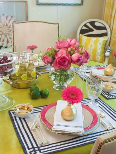Great colors...Liz Caan Interiors, Colors Combos, Dining Room, Decor Ideas, Tables Sets, Dinner Parties, Kitchens Tables, Bold Colors, Bright Colors