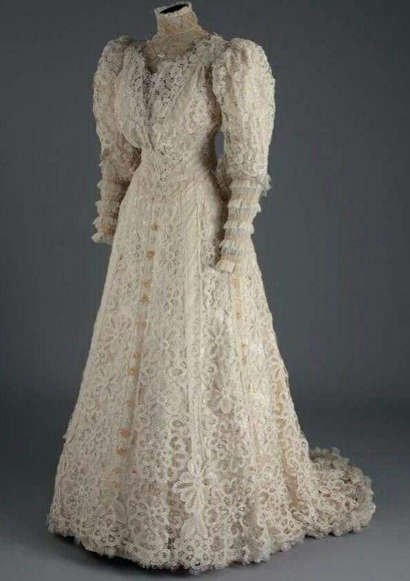 1907 Lace and chiffon wedding dress.