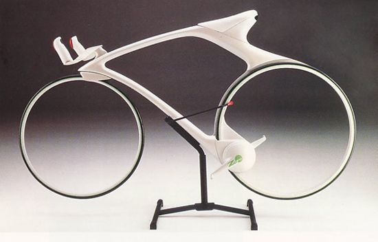 Zero Bike. A concept design by Makota Makita and Hiroshi Tsuzaki, who were  students at Los Angeles Art Center College of Design in 1988.