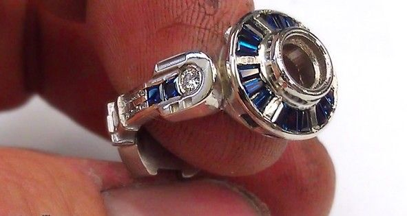 This Incredible R2-D2 Engagement Ring Is Every Geek Girls' Dream [Video]