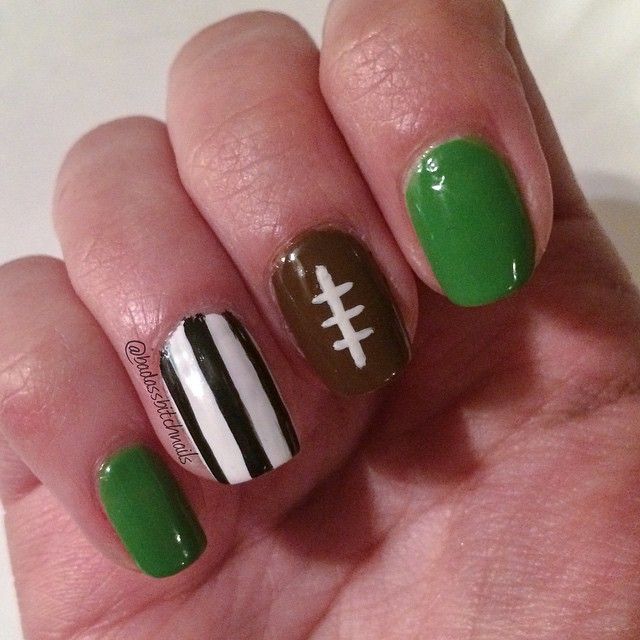 Best 25+ Football nails ideas on Pinterest | Football nail ...