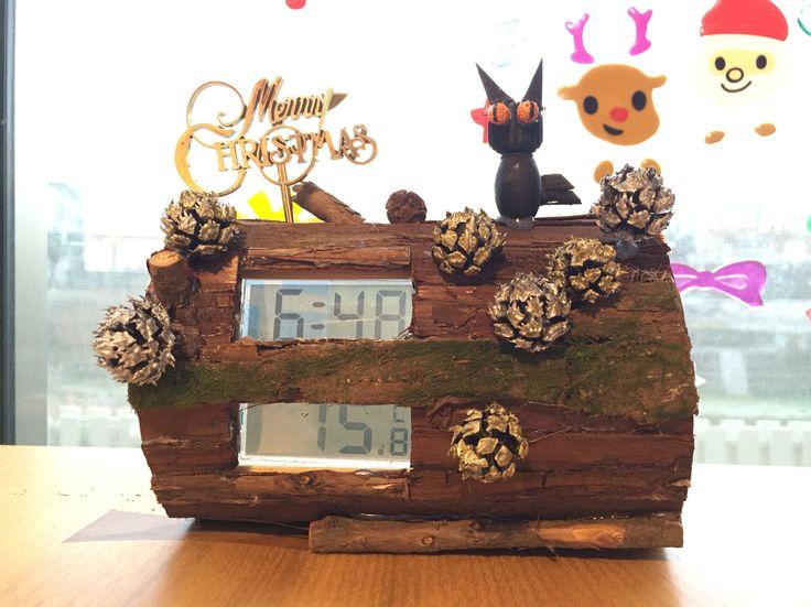 Handcraft remade clock & thermometer (Bush de Noel)
