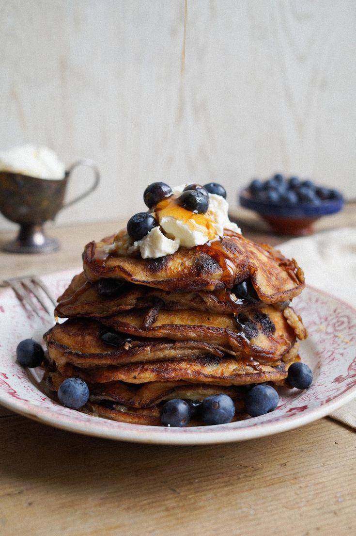 Fluffy ricotta pannenkoekjes met blauwe bessen - Cuisine de Clementine
